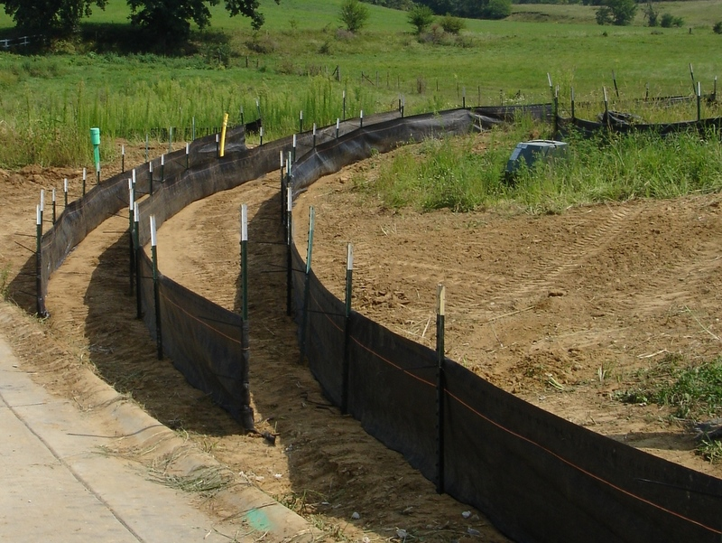 Martek Construction Products  6061079 36 in x 100 ft Polypropylene Drainage Silt Fence with 6 foot Posts